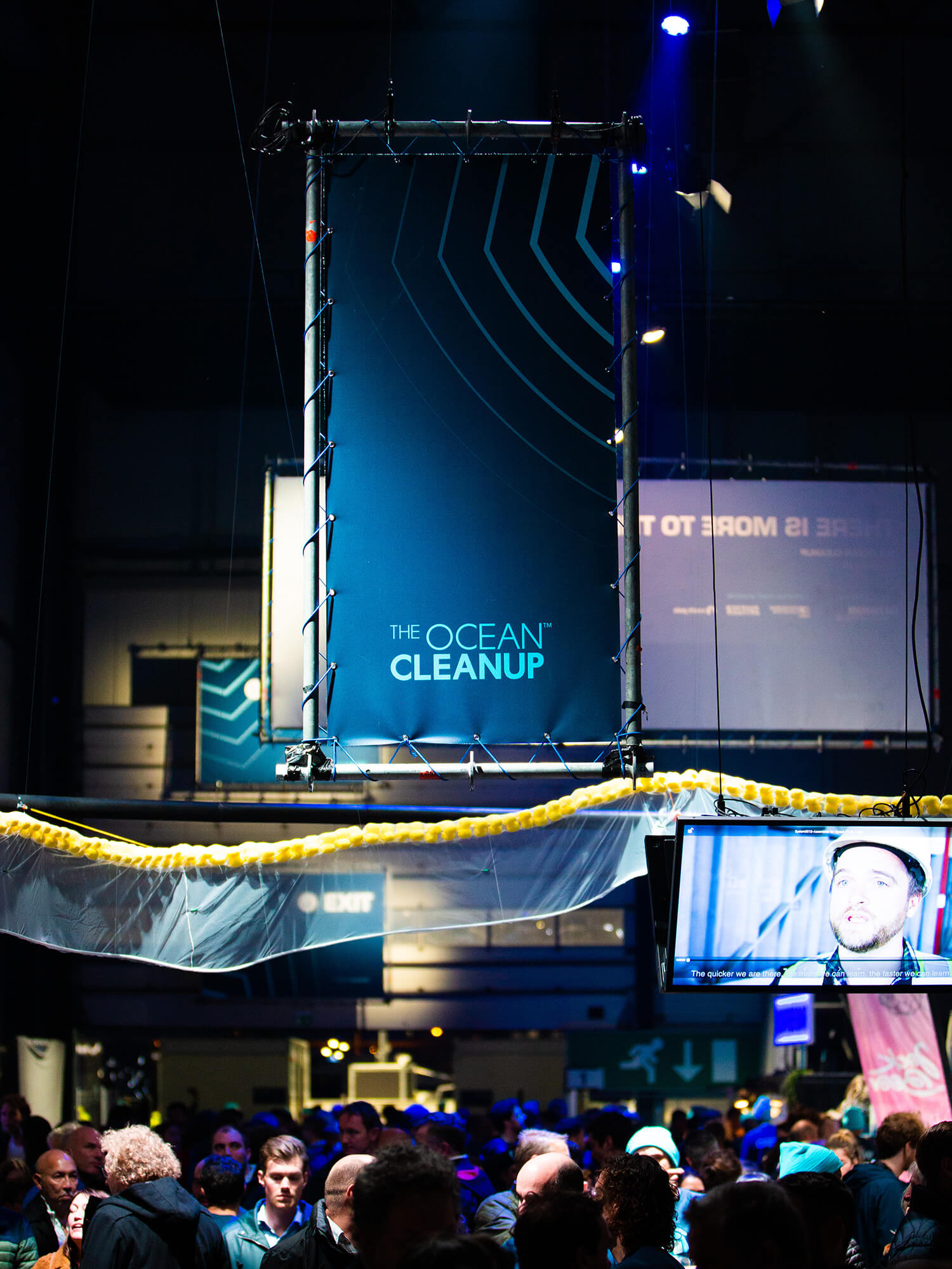 DITTMAR_the-ocean-cleanup_signage-02